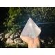 Très grande Pyramide de quartz cristal de roche
