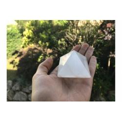 Pyramid selenite