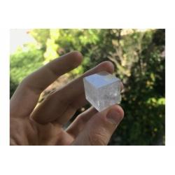 Cube / Héxaèdre en quartz cristal de roche