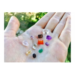 Set of 3 semi-precious gems