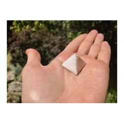 Pyramid scolecite