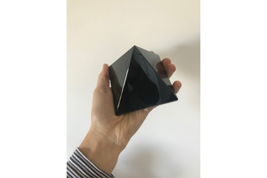 Très grande pyramide d'obsidienne