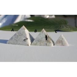 Pyramid white labradorite (large)