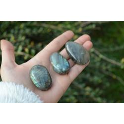 Rolled stone Labradorite 2