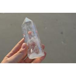 Grosse obélisque de cristal de roche (260gr)